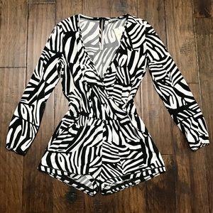 GUESS - NWT - white & black zebra print romper